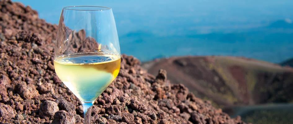 Degustazione-vino-Volcanic-Wine-Park